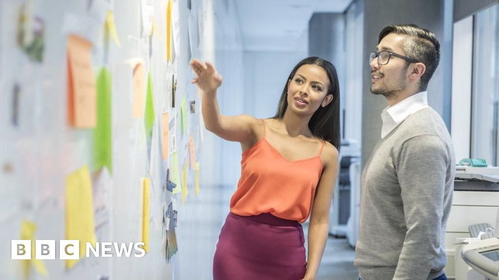 Gender pay gaps must be declared by UK companies - BBC News