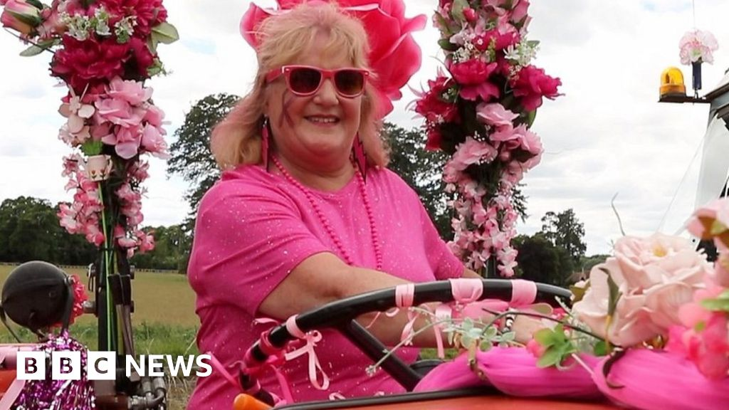 f16ca6beae2 Breast cancer: The Norfolk Pink Ladies' Tractor Run - BBC News