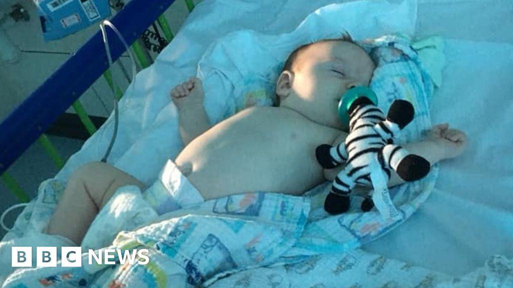 Coronavirus: Covid-19 diagnosed in 11-week-old baby - BBC News