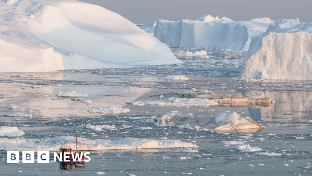 Climate change: Scientists to report on ocean  emergency  caused by warming