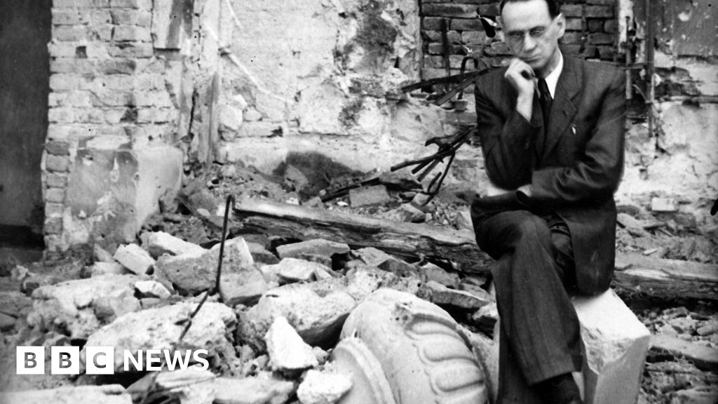 The forgotten Swiss diplomat who rescued thousands from