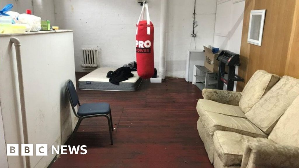 , Workers 'sleeping on mattresses' inside Leicester factory, Saubio Making Wealth