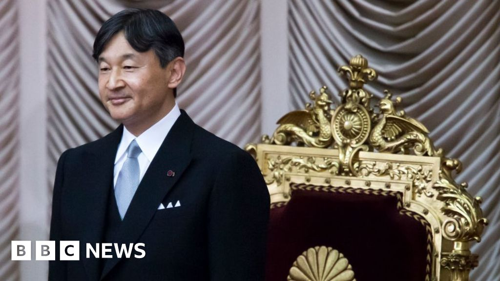 Naruhito: Japan's emperor to ascend throne in ritual-bound ceremony thumbnail