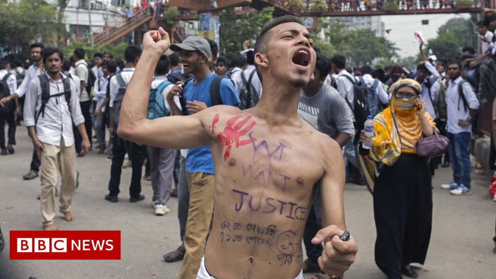 Bangladesh teens attacked during protest