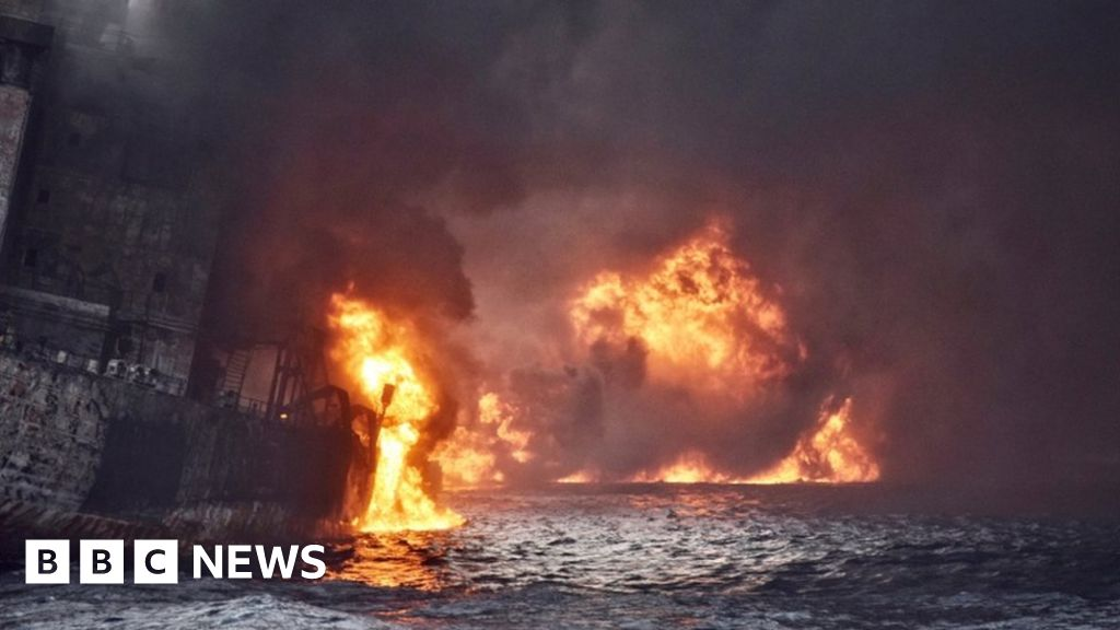 Burning oil tanker 'sinks off China'