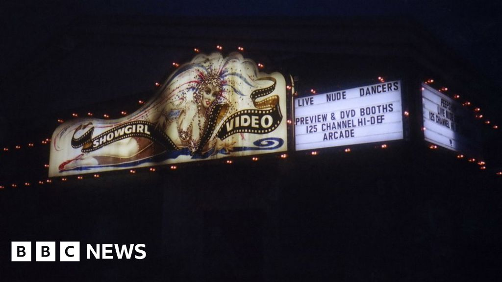 Showgirl Video: The last peep show in Las Vegas