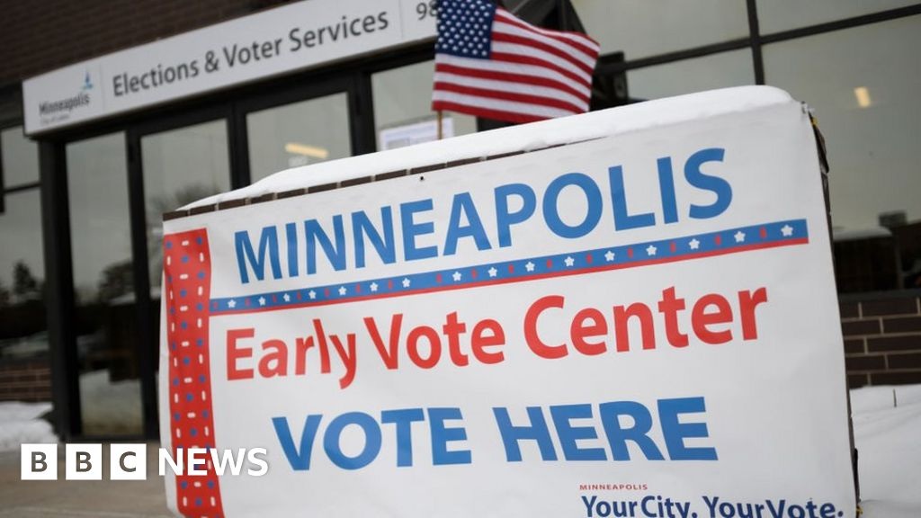 Minnesota voters cast the first ballot of the election in 2020