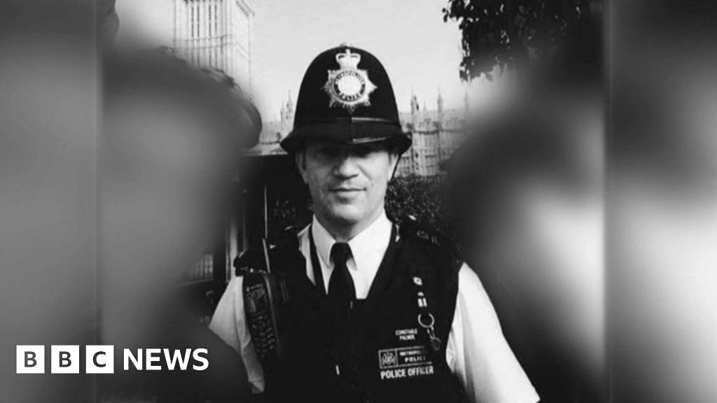 Memorial for murdered PC by end of year