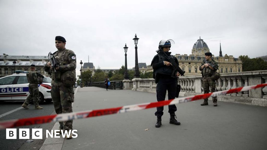 Paris police attack: Four killed by knife-wielding man