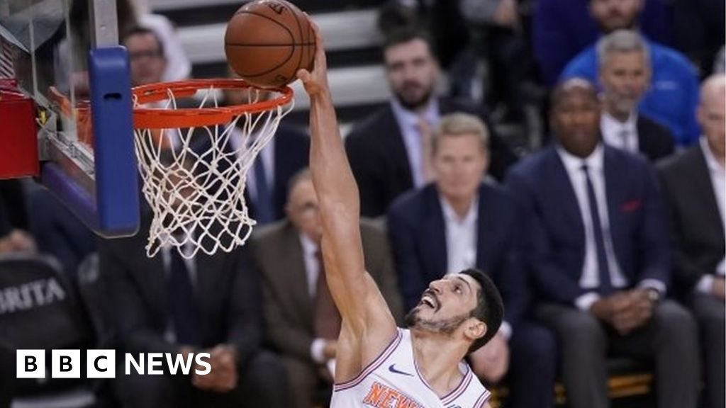 Turkey 'seeks arrest' of basketball star thumbnail