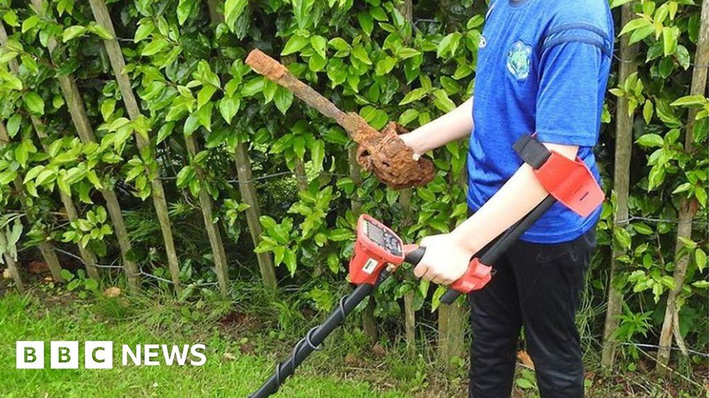 Beginner's luck for 10-year-old metal detectorist