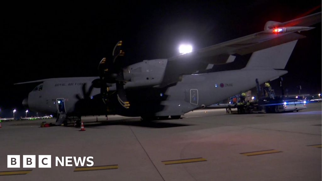 Coronavirus: RAF plane lands in the UK with a PSA from Turkey