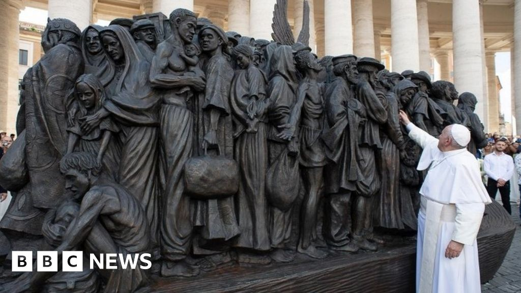 <b>Vatican sculpture dedicated to migrants unveiled</b>