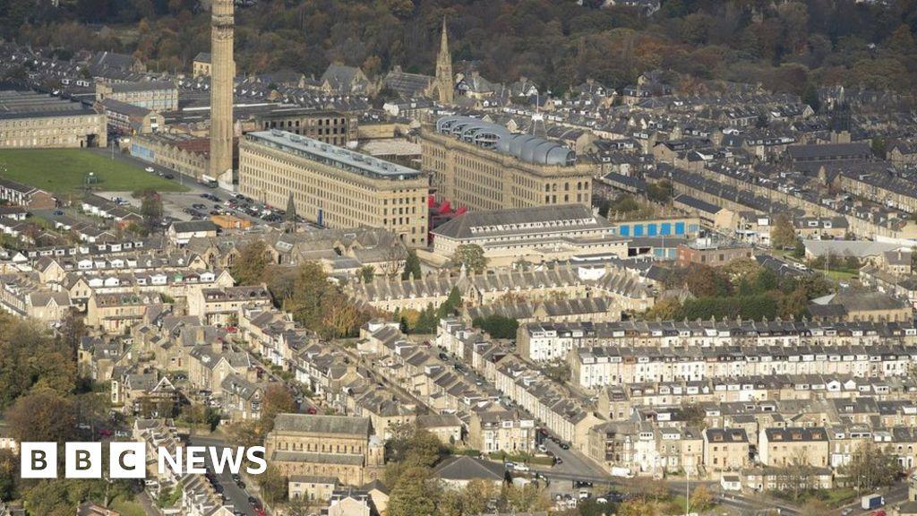 Bradford child sexual abuse: 19 men arrested