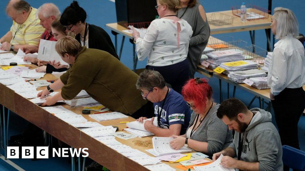 Polls close as UK awaits EU vote results