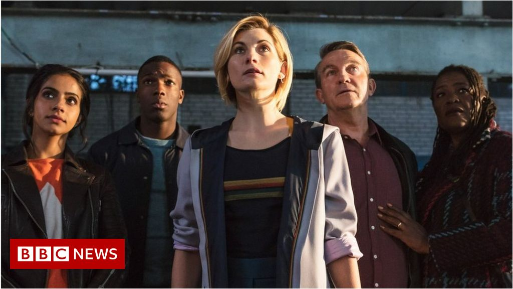 Doctor Who: Jodie Whittaker a hit with fans after first episode ...
