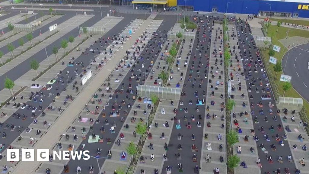 German Ikea donates car park for mass Eid prayer