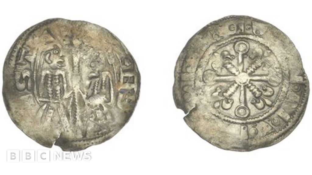 Rare King Stephen coin found by metal detectorist sells for £8,500 thumbnail