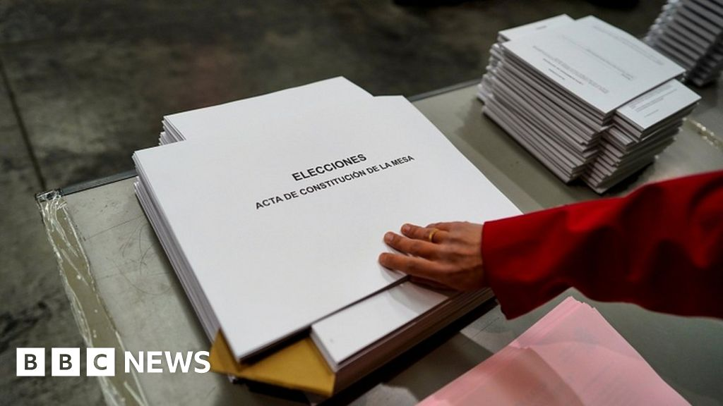 QnA VBage Spain election: Polls due to open for closely-fought contest
