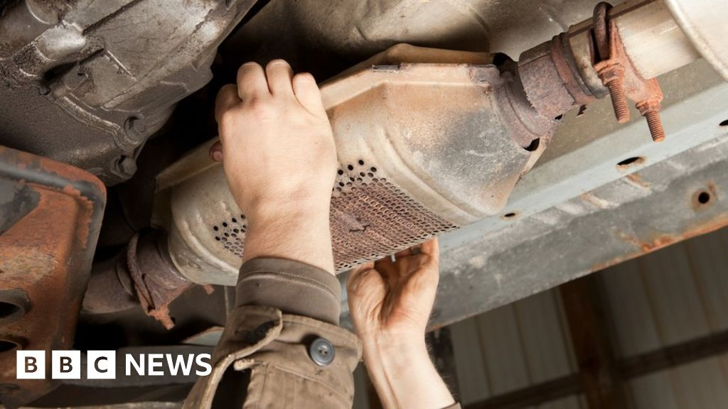 Huge rise in catalytic converter thefts - BBC News
