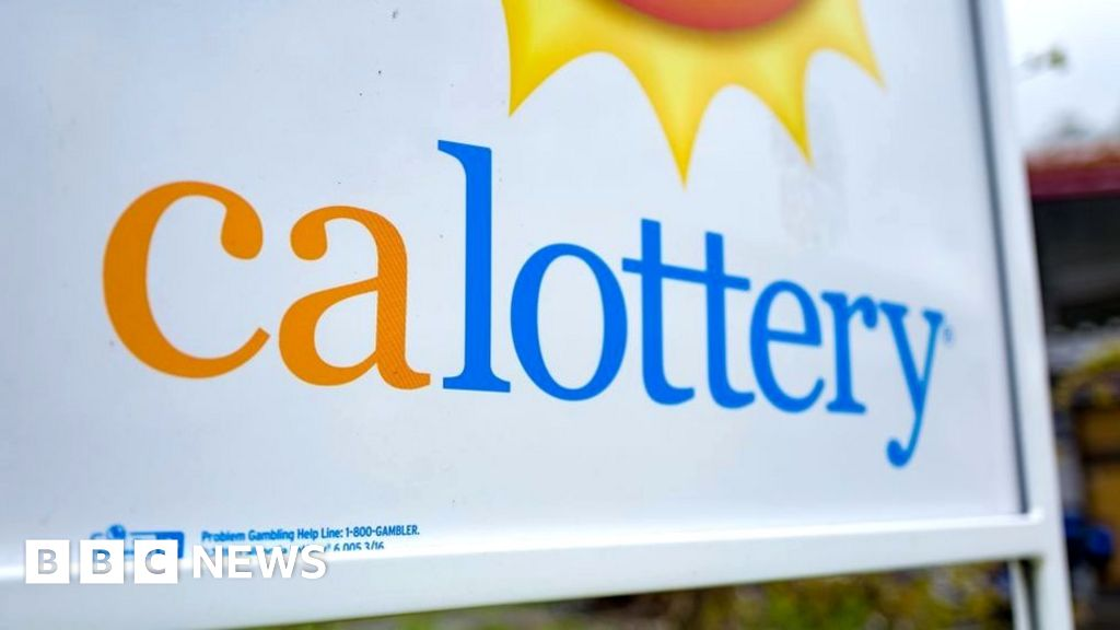 The winner of the lottery winner said he laundered $ 26 million in revenue to wash clothes