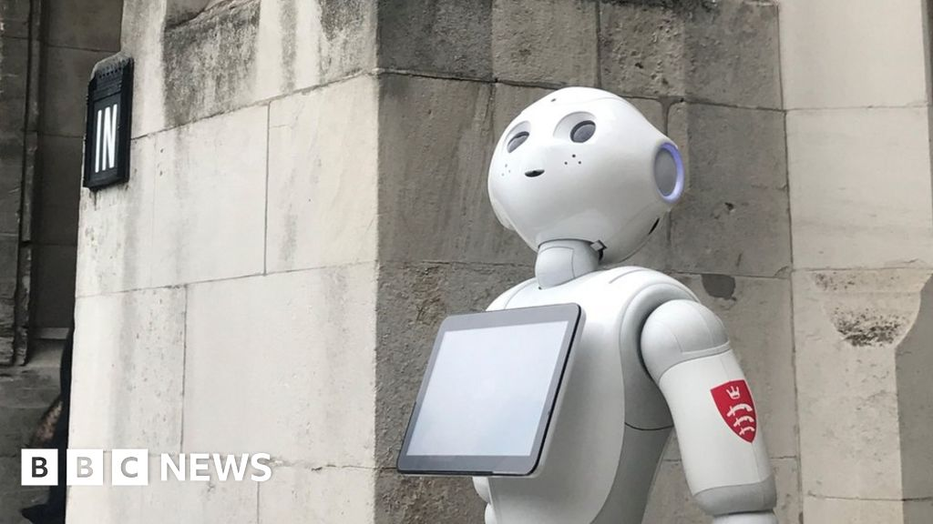 Take Me to your Leader! MPs to Quiz Robot