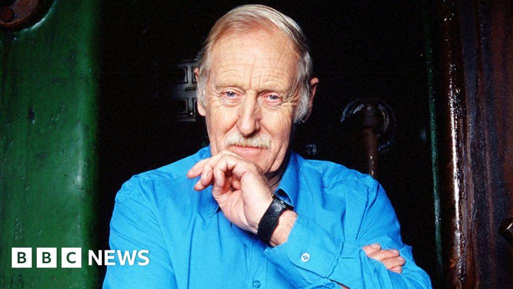 Wind-up radio inventor dies aged 80