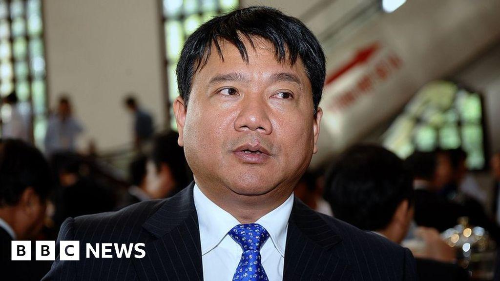 Vietnam sacks top official in rare move