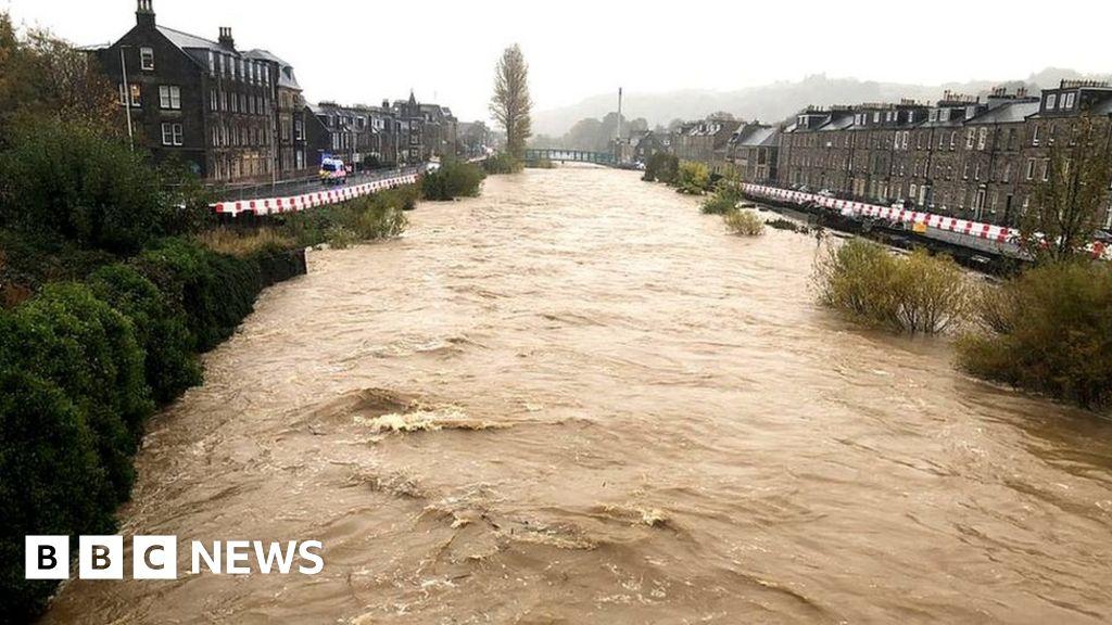 Major incident declared in Hawick as heavy downpours hit