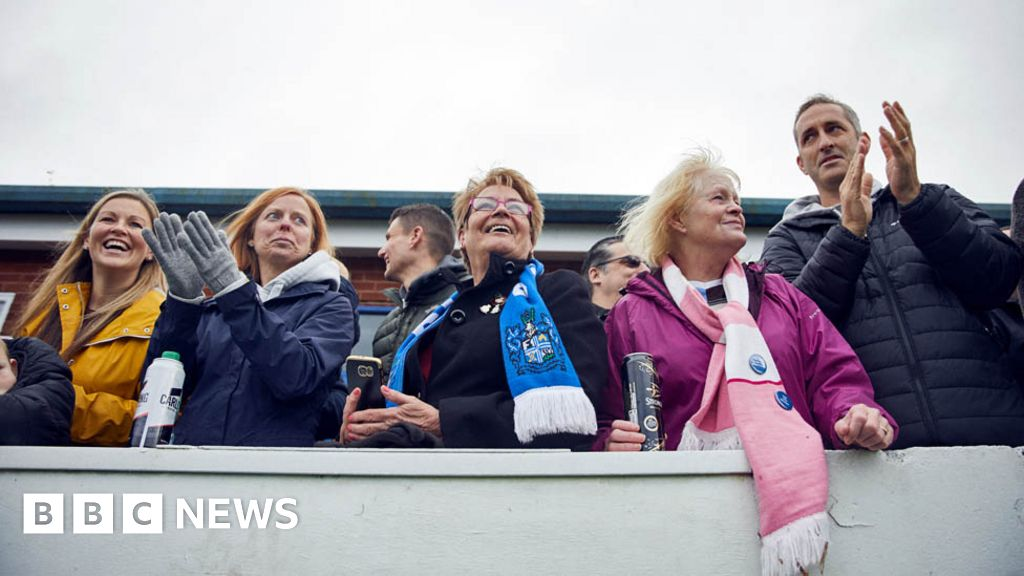 Bury FC: football fans without a team