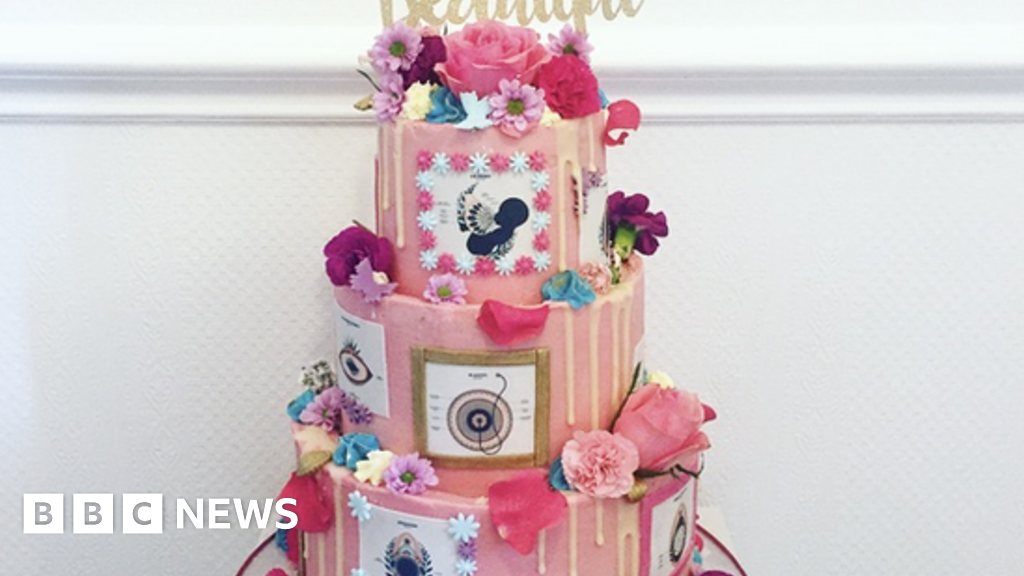 In Pictures Great Midwifery Cake Off Bbc News