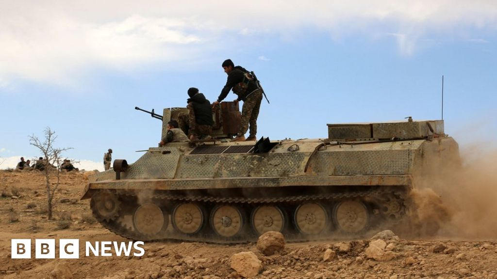 Kurds launch attack near IS 'capital'