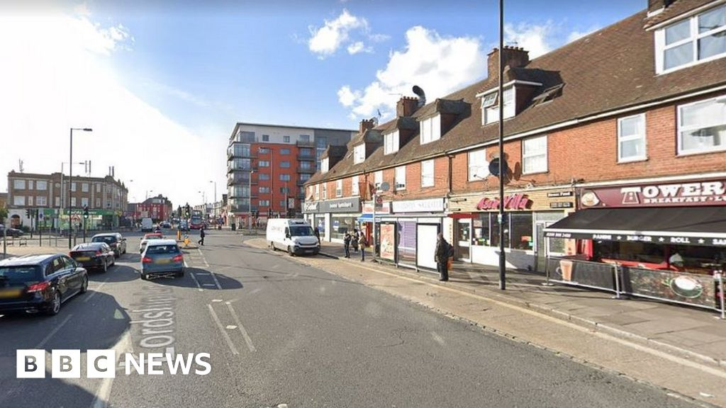 Hornsey man admits shooting brother and woman in Wood Green thumbnail