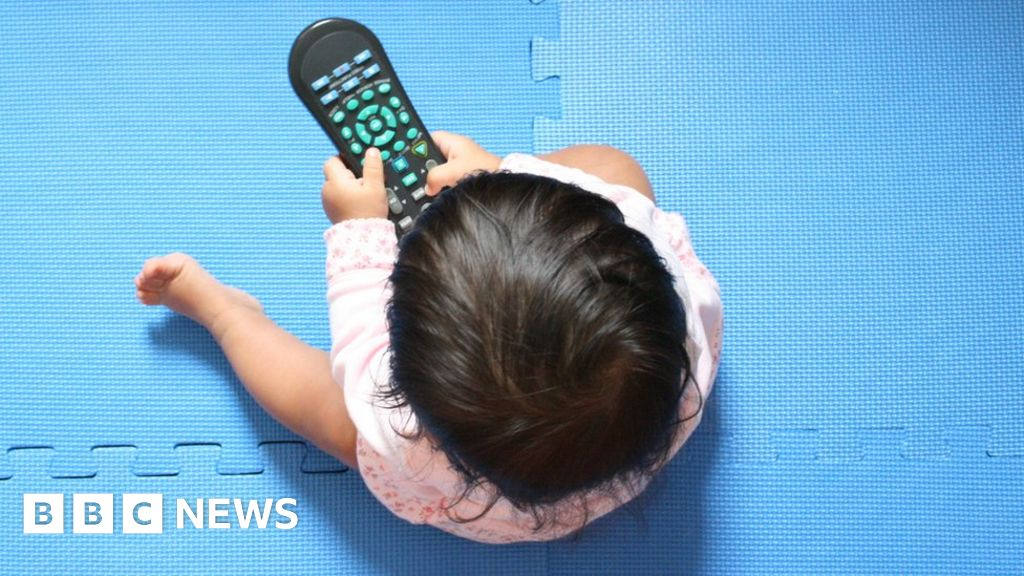 No sedentary screen time for babies, WHO says - BBC News