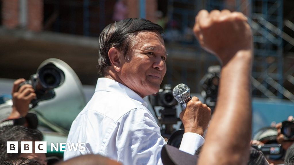 Kem Sokha: Journalists turned away from Cambodia treason trial thumbnail