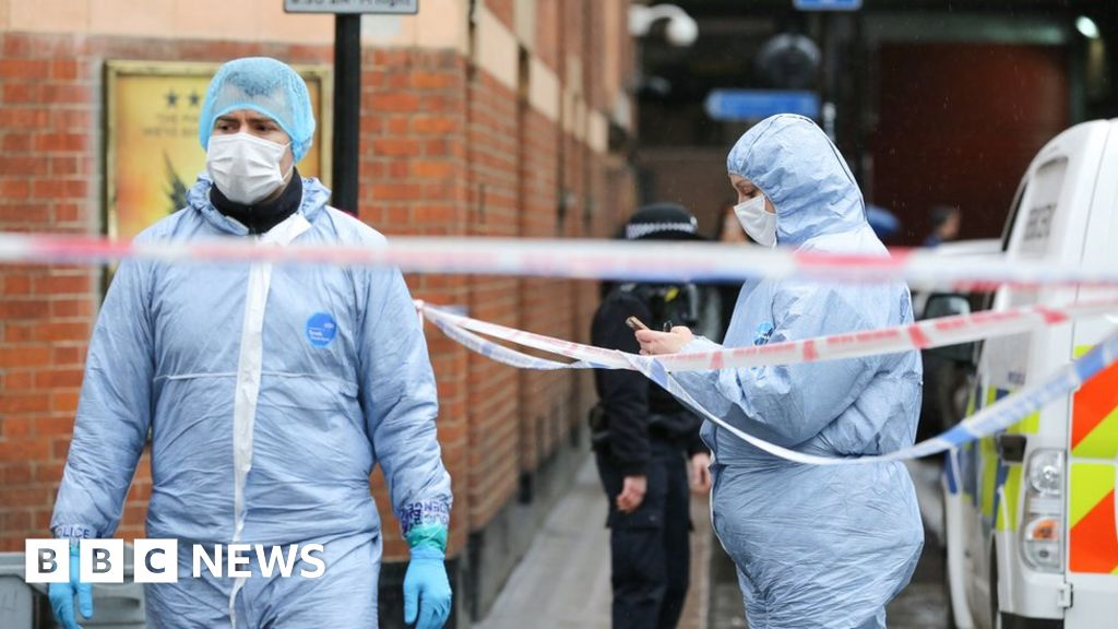 Knife crime increases again, police figures show