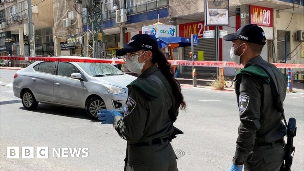 Coronavirus: Ultra-Orthodox Israeli town of Bnei Brak under lockdown