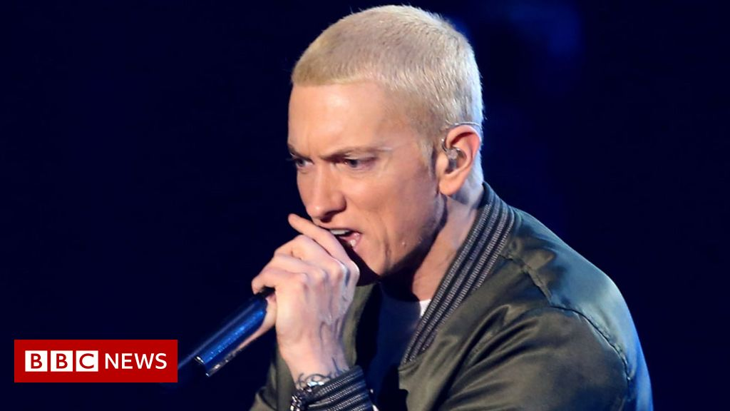 Eminem 'detained an intruder' in his living room - BBC News
