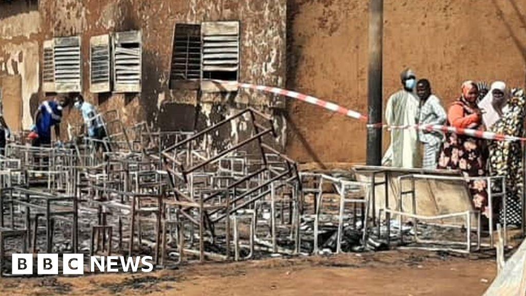 Niger school blaze: Trapped children die in Niamey