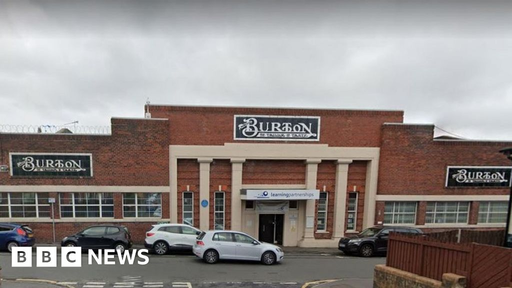 Arcadia Leeds Burton site: 400 jobs to go