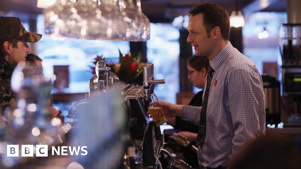Wetherspoon's profits plunge by 19%