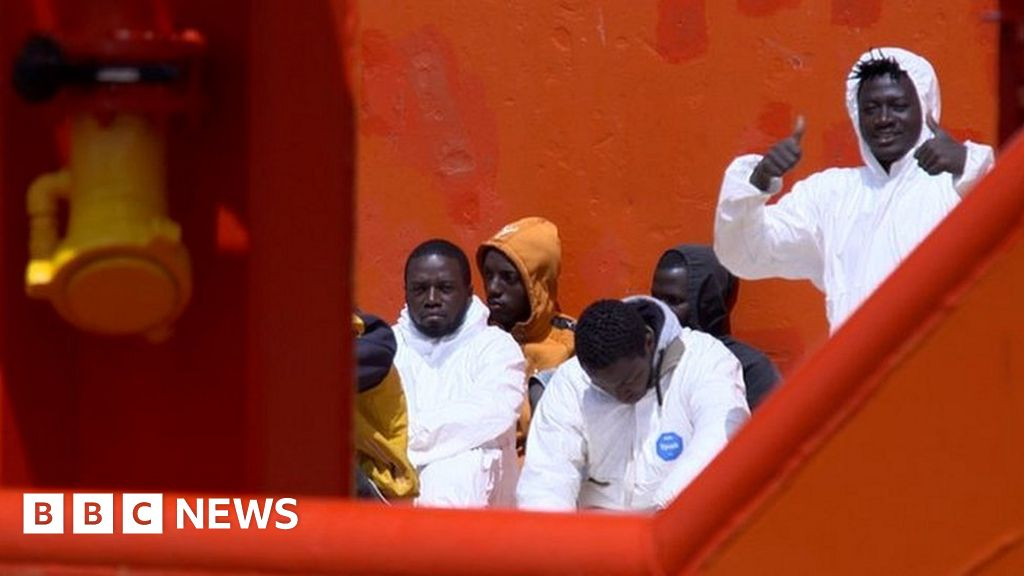 Lampedusa: The gateway to Europe in Italy struggles with the abundance of migrants