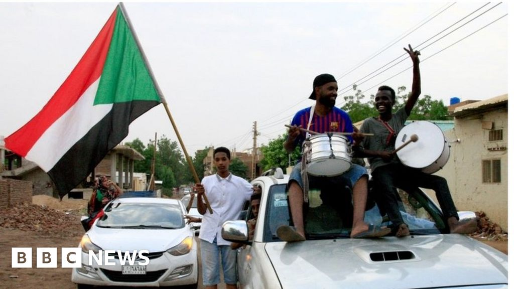 Sudan crisis: Military and opposition agree constitutional declaration