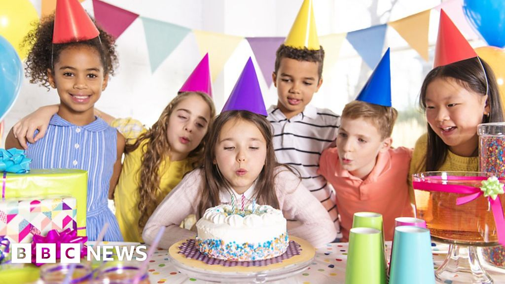 Outstanding How The Happy Birthday Song Became A Million Dollar Idea Bbc News Personalised Birthday Cards Petedlily Jamesorg