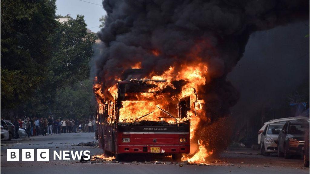 Citizenship Amendment Act: Riots erupt in Delhi thumbnail