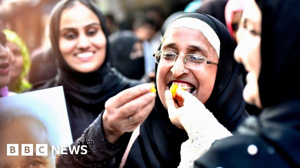 Triple talaq: India criminalises Muslim 'instant divorce