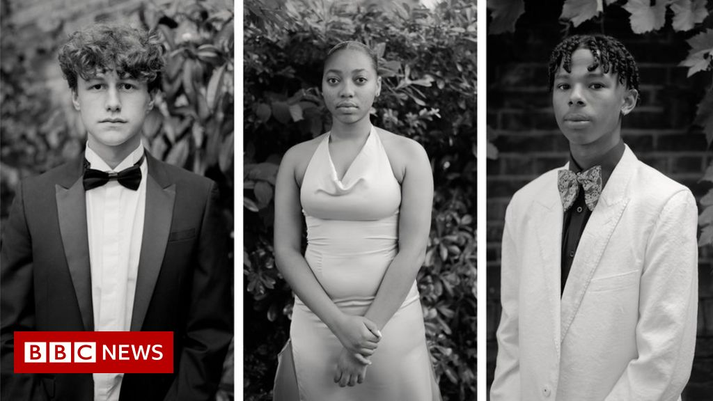 Cancelled prom pictures win £15,000 Taylor Wessing portrait prize