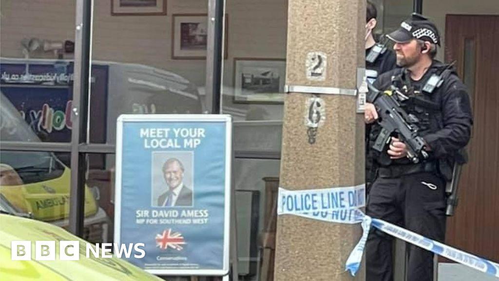 Tory MP Sir David Amess dies after stabbing