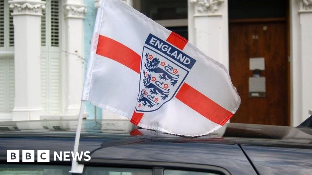 Royal Mail bans England flags from vans