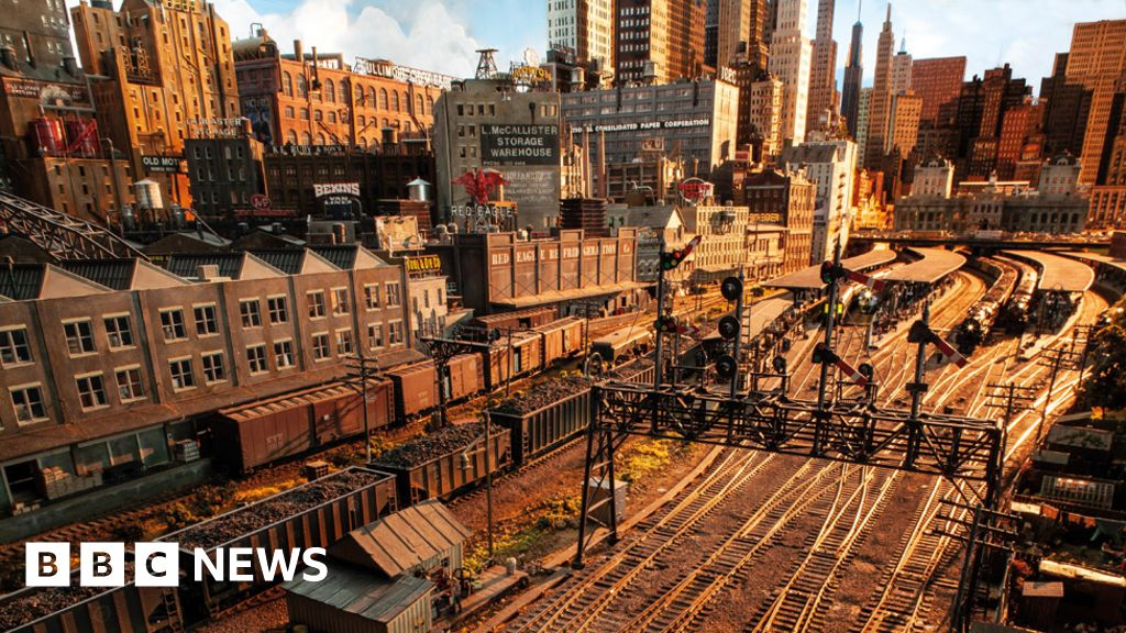 I am railing: Sir Rod Stewart reveals his epic model railway city